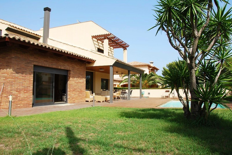 Luxury Villa On Costa Dorada Comarruga