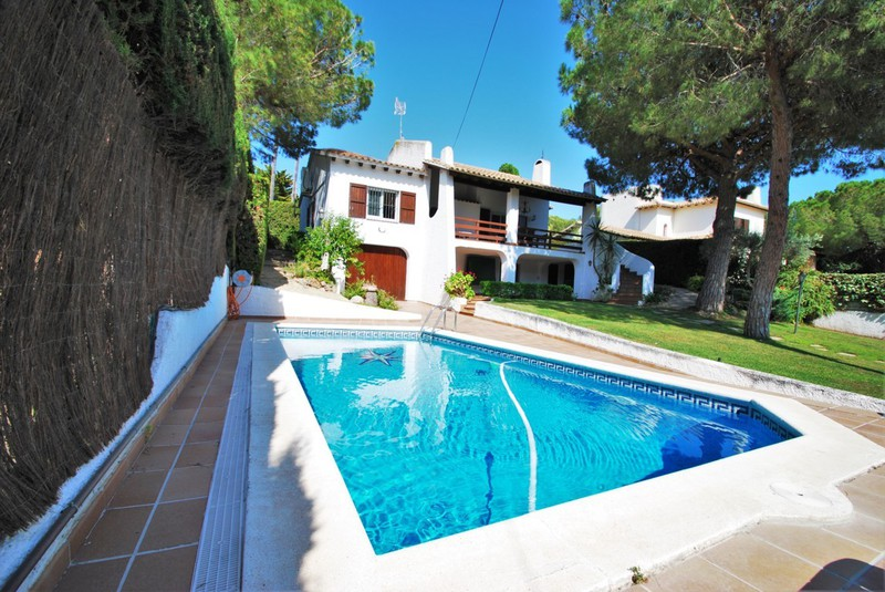 Holiday Villas Low Cost On Costa Dorada Roda De Bara Calafell Barcelona