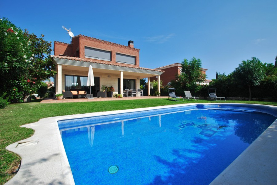 Rent Villa In Calafell Costa Dorada Close Beach With Private Pool Wifi